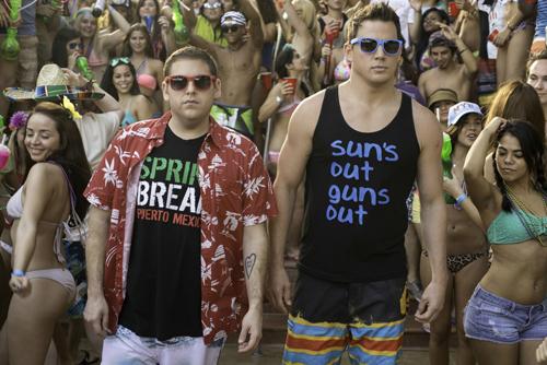 Zum College-Leben gehört natürlich auch Spring Break: Schmidt (Jonah Hill, links) und Jenko (Channing Tatum) sind gewappnet für die große Sause.
