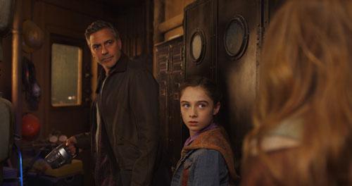 Gemeinsam mit Frank Walker (George Clooney) und Athena (Raffey Cassidy) begibt sich Casey auf eine abenteuerliche Reise, um die Zukunft zu retten.