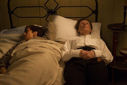 Szene mit Glenn Close und Janet McTeer.