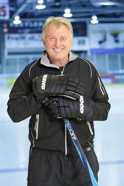 Macht noch immer eine gute Figur: Coach Sulak, der von 1987 bis 1990 für den EHC am Puck war.