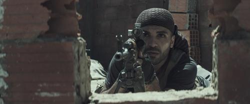 Es entwickelt sich ein Duell zwischen Chris Kyle und Distanzschütze Mustafa (Sammy Sheik).