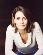 """Im ZDF-Drama """"Kein Entkommen"""" spielt Anja Kling eine selbstbewusste Frau und Mutter, die nach einer brutalen Gewaltattacke auf sie den Boden unter den Füßen verliert."""