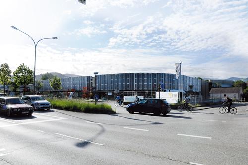 Unbeirrt im Bau: Das Porsche-Zentrum ist von der Insolvenz nicht betroffen.