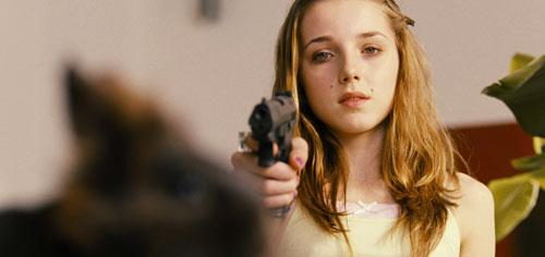 """Die 13-jährige Mathilda (Antonia Lingemann) will dabei sein, wenn Leon, der """"Bastard"""" an seiner eigentlichen Familie Rache nimmt."""