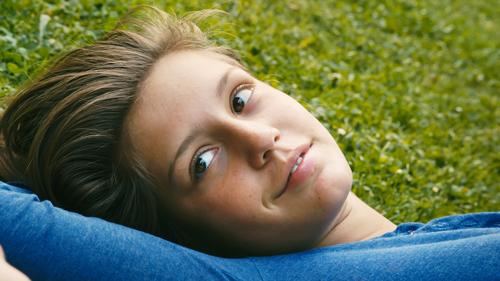 Adèle (Adèle Exarchopoulos) fühlt sich zum ersten Mal richtig erfüllt, wenn sie mit Emma zusammen ist.