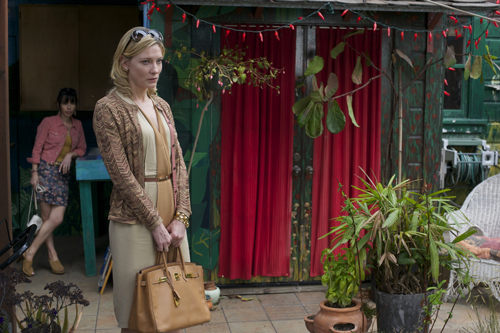 Am Boden, aber mit Stil: Nach dem Verlust ihres Vermögens, zieht Jasmine (Cate Blanchett, rechts) zu ihrer Schwester Ginger (Sally Hawkins) nach San Francisco.