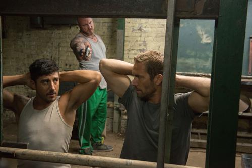 Lino (David Belle, links) und Damien (Paul Walker, rechts) geraten von einer brenzligen Situation in die nächste.