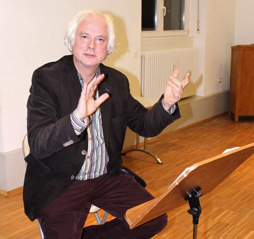 Dirigent Winfried Toll startet mit einem A-cappella-Programm ins Jubiläumsjahr.
