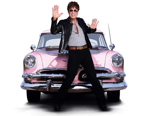 """Zurück zum Artikel Für immer Rock'n'Roll: Im Mai 2014 geht Sir Cliff Richard mit seinem Coveralbum """"The Fabulous Rock'n'Roll Songbook"""" auf Deutschland-Tournee."""
