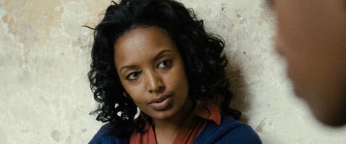 Die Anwältin Meaza Ashenafi (Meron Getnet) will Hirut vor Gericht verteidigen.