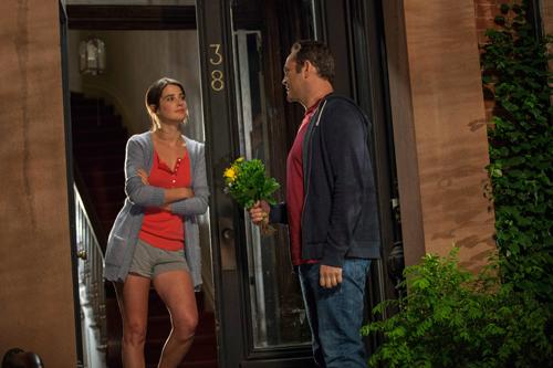 David (Vince Vaughn) hat es verbockt: Seine Freundin Emma (Cobie Smulders) macht mit ihm Schluss, obwohl sie von ihm schwanger ist.