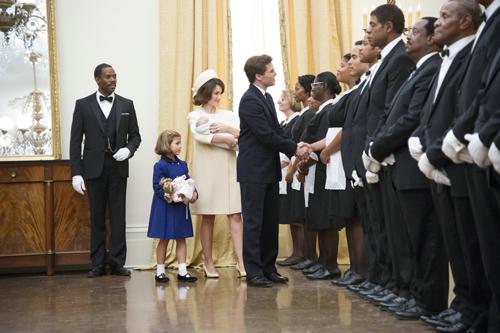 Die Angestellten des Weißen Hauses lernen ihre neuen Dienstherren kennen: die Kennedys.
