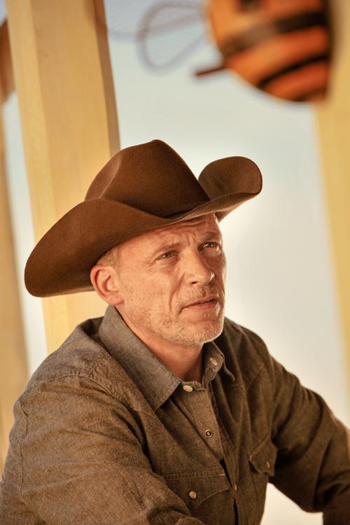T.S.' Cowboy-Vater (Callum Keith Rennie) hat wenig Verständnis für den Forscherdrang seines Sohnes.