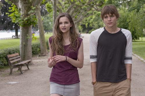 Lilli (Lisa Vicari) und Andi (Merlin Rose) kennen sich schon seit Jahren, haben sich aber aus den Augen verloren.