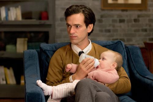 Um seiner Tochter Lucie zu helfen, verkleidet sich David (Romain Duris) als Frau.