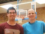 Haben gut lachen: Eisvögel-Trainer Sascha Bozic und der sportliche Leiter Harald Janson.