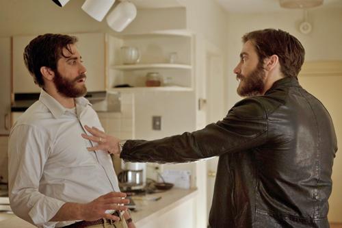Ganz schön gruselig der Gedanke, plötzlich seinem Doppelgänger gegenüberzustehen: Jake Gyllenhaal spielt Adam und Anthony.