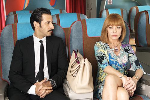 Szene mit José María Yazpik und Cecilia Roth.