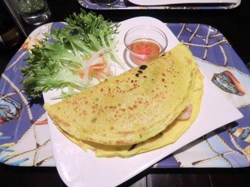 Hauptgang für 5,90 €: Kurkuma-Reispfannkuchen mit Hähnchenbrustfilet und Shrimps