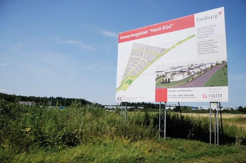 Eine Solar-Pyramide fürs Gewerbegebiet: Für das zwölf Millionen Euro teure Tetraeder werden noch Investoren gesucht.