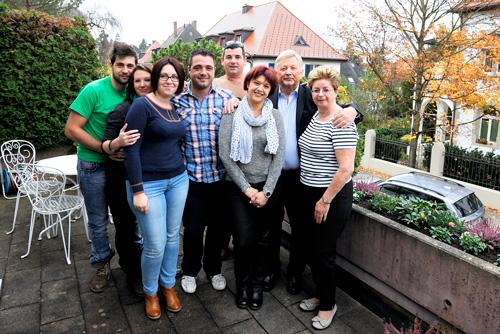 Hausin mit Frau Ulrike und seiner neuen Familie