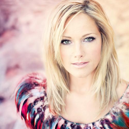 """Schlager? Pop? Dance? Helene Fischer kennt auf ihrem neuen Album """"Farbenspiel"""" keine Grenzen."""