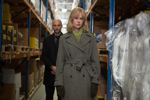 Will er ihr nur helfen? Neuropsychologe Dr. Nash (Mark Strong) beginnt eine geheime Therapie mit Christine (Nicole Kidman).