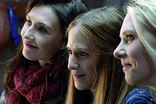 Szene mit Holly Hunter, Carice van Houten und Jelka van Houten.
