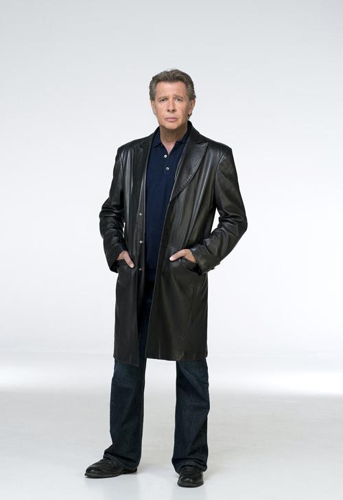 Die neue Uniform des Milieuermittlers Dirk Matthies (Jan Fedder): ein langer Ledermantel.