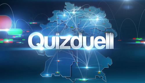 """Deutschlands beliebteste App kommt ins Fernsehen: """"Quizduell"""". In der TV-Ausgabe spielen vier Kandidaten im Studio täglich live gegen die Online Nutzer der App. Jörg Pilawa präsentiert das """"Quizduell"""" ab 12. Mai, immer montags bis freitags, um 18.00 Uhr, im Ersten."""