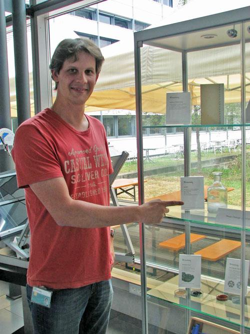 Alternative zur Klimaanlage: Thomas Haussmann vom Freiburger ISE-Institut erforscht neue Kühlungssysteme.