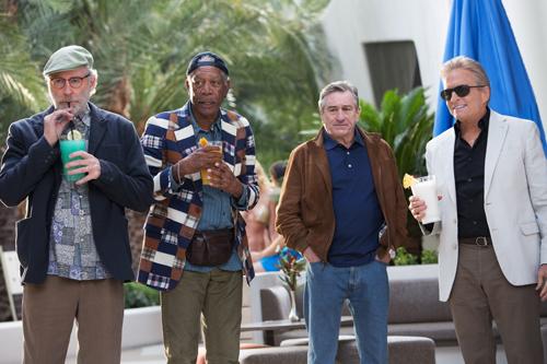 Party, lass nach (von links): Sam (Kevin Kline), Archie (Morgan Freeman), Paddy (Robert De Niro) und Billy (Michael Douglas) feiern in Vegas.
