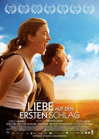 """Die vielfach ausgezeichnete Sommer-Komödie """"Liebe auf den ersten Schlag"""" begeistert mit einer ungewöhnlichen und abenteuerlichen Romanze."""