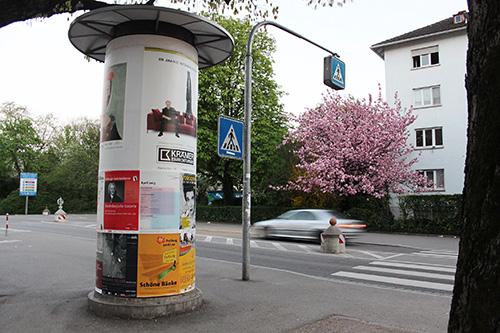 Litfaßsäule an der Kreuzstraße