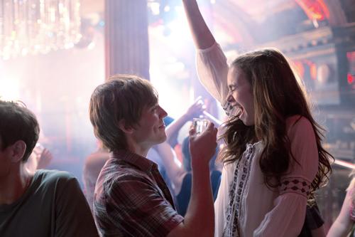 Rosies (Lily Collins) 18. Geburtstag wird zum verhängnisvollen Wendepunkt ihrer Beziehung zu Alex (Sam Claflin).
