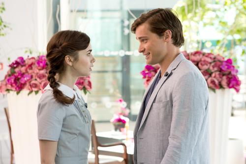 Nach einem Streit mit Alex (Sam Claflin) lässt Rosie (Lily Collins) sich ein zweites Mal auf High-School-Liebe Greg (Christian Cooke) ein. Ob das eine gute Idee ist?