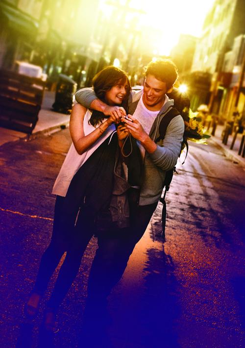 Seit Kindertagen sind Rosie (Lily Collins) und Alex (Sam Claflin) ein Herz und eine Seele. Dass sie mehr füreinander empfinden, wollen sich die Freunde aber nicht eingestehen.