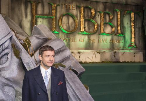 """Ganz geheuer scheint Martin Freeman der Rummel um seiner Person auf der Premiere von """"Der Hobbit: Die Schlacht der fünf Heere"""" nicht zu sein."""