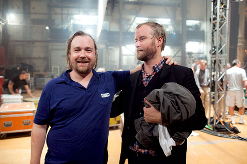 Der kleine Bruder (links) berauscht sich am Leben des großen. Matt Berninger ist Sänger der Band The National, sein Bruder Tom ist Hobbyfilmer im Bereich Horror.
