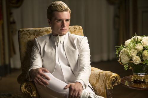 Peeta (Josh Hutcherson) wirbt im Kapitol für ein Ende des Bürgerkriegs.