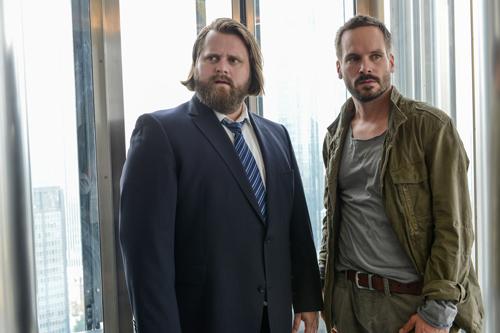 """Antoine Monot Jr. (links) und Wanja Mues überzeugen im in vielerlei Hinsicht neu aufgestellten ZDF-Krimifossil """"Ein Fall für zwei""""."""