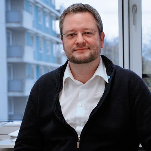 Auch der Suche nach Alternativen: Dr. Jochen Maurer macht nicht gerne Tierversuche.