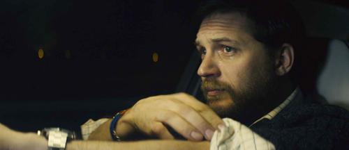 Ivan Locke (Tom Hardy) steckt ziemlich in der Klemme - aber er weiß sich auf integere Weise daraus zu befreien.