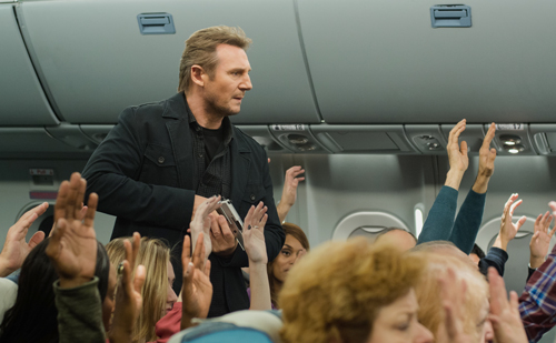 Unrasiert, wirre Reden, Knarre in der Hand: Bill Marks (Liam Neeson) macht auf die Passagiere keinen vertrauenerweckenden Eindruck.