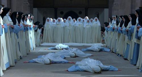 Premiere in Freiburg: Die Nonne