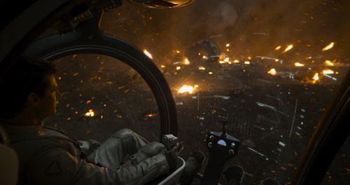"""Keine schöne Zukunft in """"Oblivion"""": Die Erde ist im Jahre 2077 völlig zerstört und unbewohnbar."""