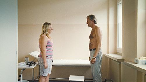 Szene mit Melanie Lenz und Joseph Lorenz.
