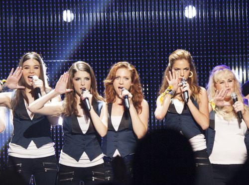 Team USA: Die Barden Bellas singen um den WM-Pokal.