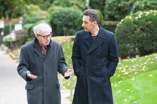 Murray (Woody Allen, links) hat eine Idee: Er vermietet den Blumenverkäufer Fioravante (John Turturro) an die Damenwelt.
