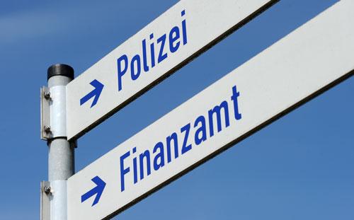 Polizei_Finanzamt